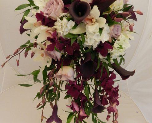 wedding bouquet flowers - Cascade