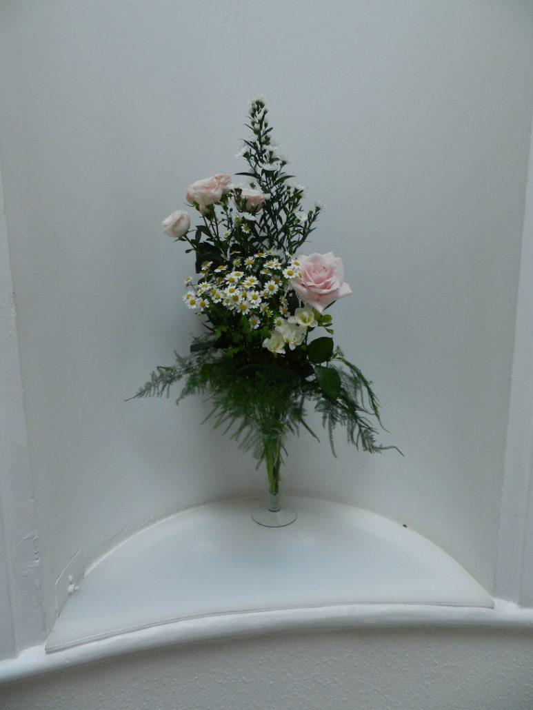 Conical vase medium