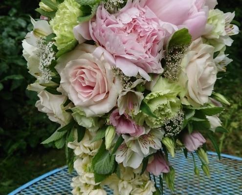 wedding bouquet flowers - Teardrop