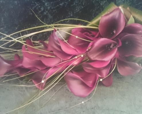 wedding bouquet flowers - Overarm