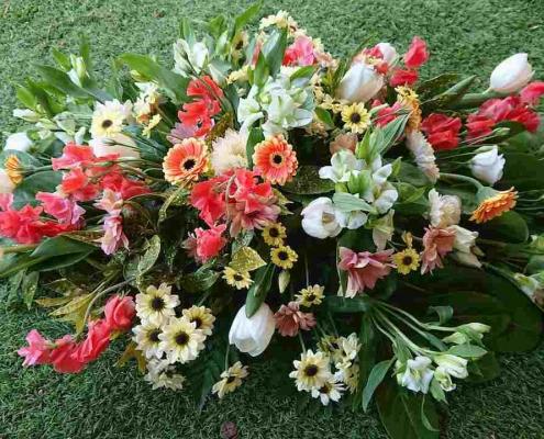 4ft coral white coffin spray £120