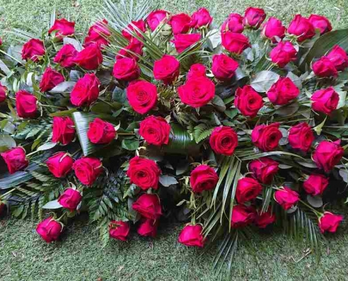 5ft red rose coffin spray £300